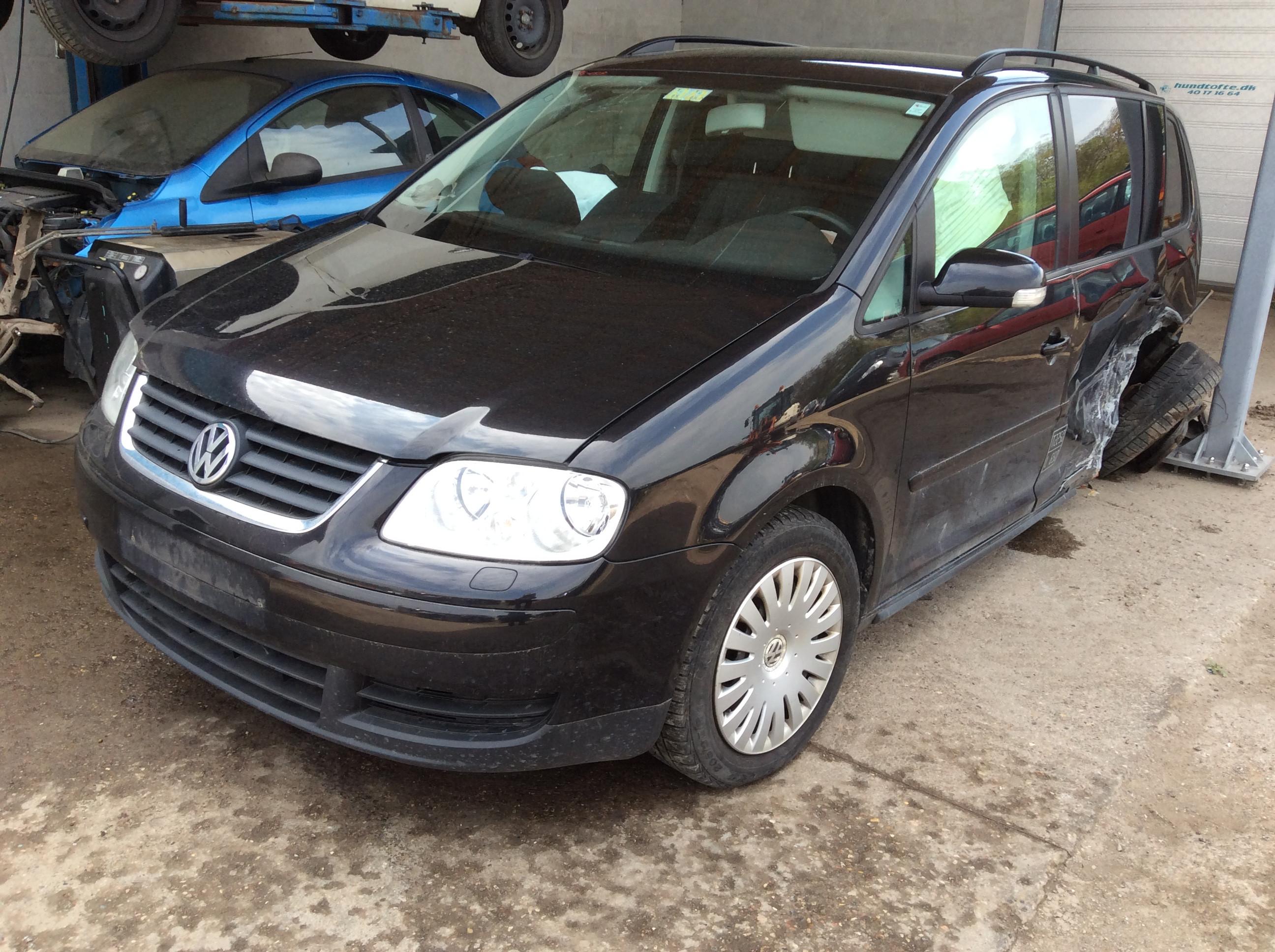 VW TOURAN 2,0TDI ÅR 2006 6sppd 76-0517